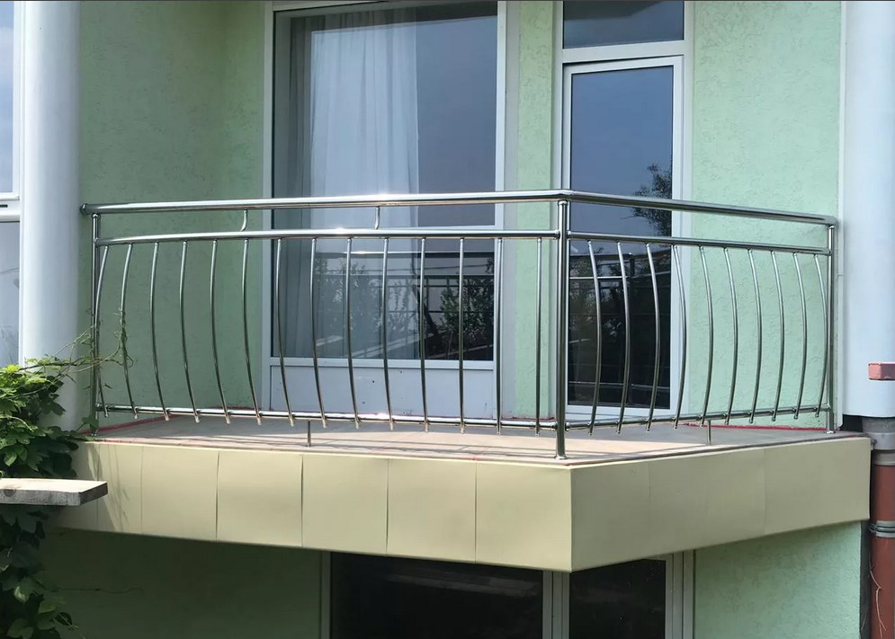 ограждения балкона из нержавейки 2