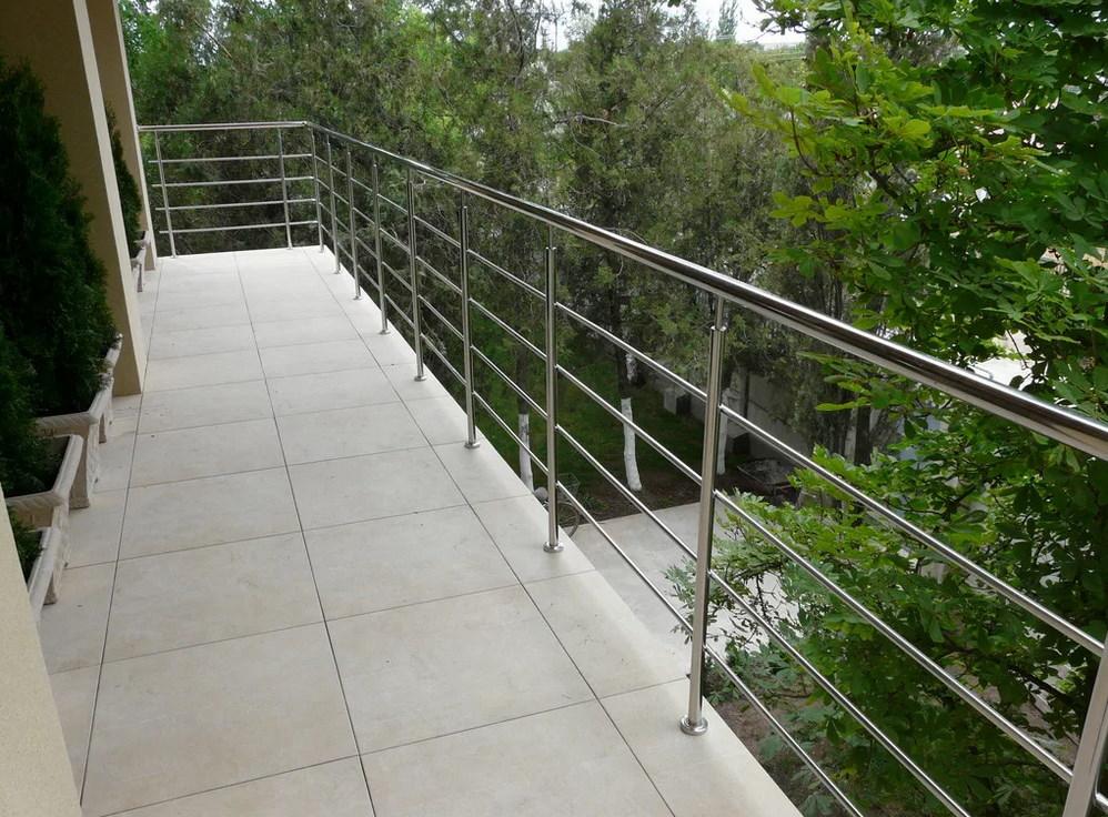 ограждения балкона из нержавейки