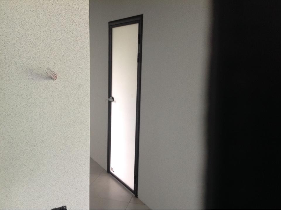 фото закрытой двери