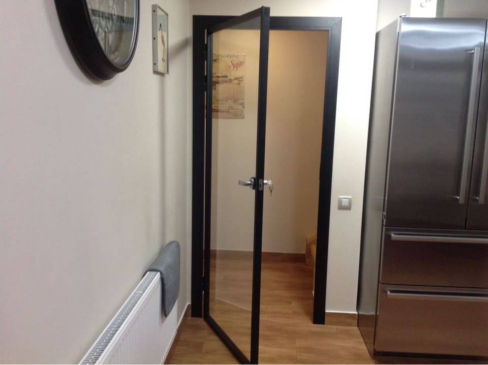 фото установленной двери